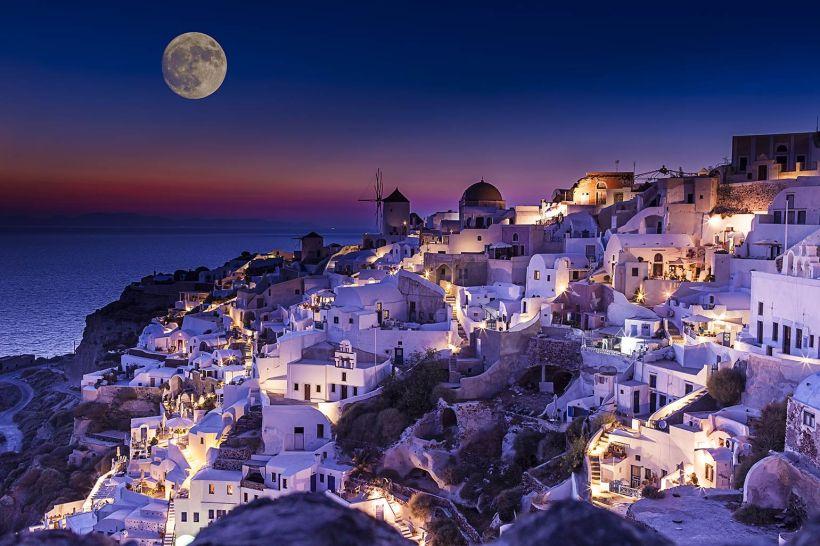 Beautiful-purple-moonlight-Santorini-wallpaper